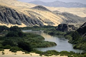 The Kunene River and Serra Cafema camp, Dana Alle, Wilderness photo l ibraray